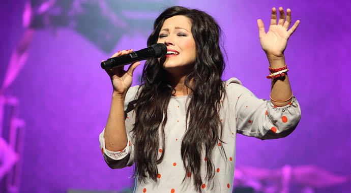 Kari Jobe – Find You On My Knees